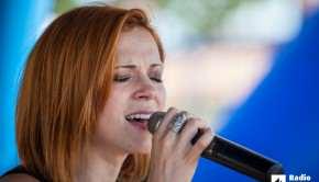 nina-puslar-radio-live-na-plazi-svetilnik-11-7-2015-foto-alan-radin (28)