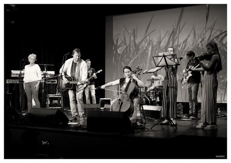 Mef in Narodnoosvobodilni bend – Bel Papir